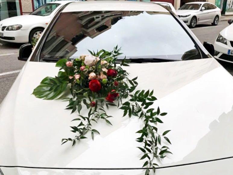 Decoración Floral para Coche Nupcial